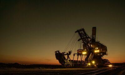 Bitfarmsは1,000のWhatsminerリグを展開します。  3,000人の鉱夫を獲得