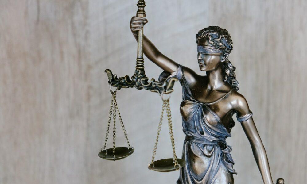 XRP訴訟:SECが独自のコミッショナーの声明を発表することは裏目に出るでしょうか